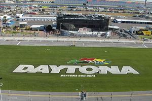 Attend the Daytona 500, USA