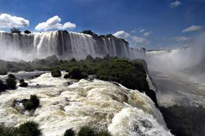 Top 10 Largest Waterfalls (by volume) in the World