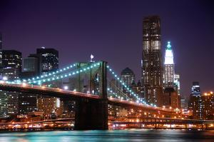 Walk across Brooklyn Bridge, NYC