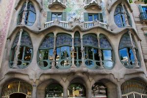 See Works of Antoni Gaudí in Barcelona, Spain (UNESCO site)