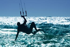 Top 10 Places to Kitesurf or Windsurf