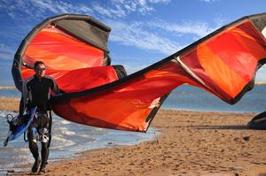 Learn to Kitesurf (Kiteboard)