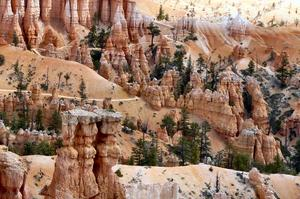 Hike Queens Garden/Navajo Loop Combination Trail, Bryce Canyon National Park, Utah
