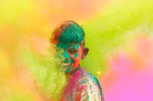Attend Holi (Color Throwing) Festivals in India